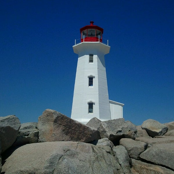 Peggys Point Lighthouse - Lighthouse in Peggys Cove