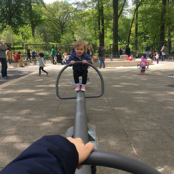 Photo taken at Central Park - Mariners' Gate Playground by Елена Д. on 5/9/2017