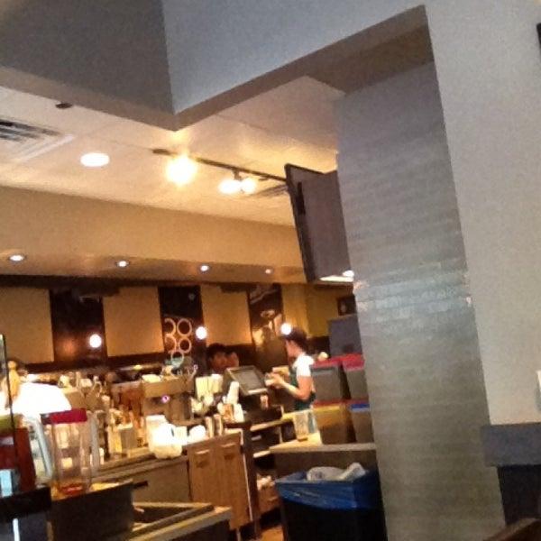 Photo taken at Starbucks by Solange W. on 5/15/2013