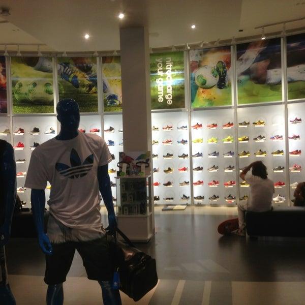 Top To Top Shoe Store Santa Monica
