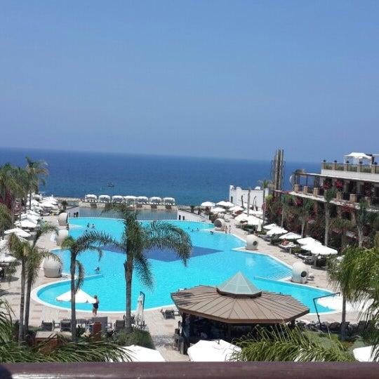 6/28/2013 tarihinde Fatos Ç.ziyaretçi tarafından Cratos Premium Hotel & Casino'de çekilen fotoğraf