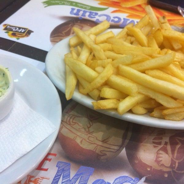Foto tirada no(a) Brasil Burger por Alex A. em 10/9/2013