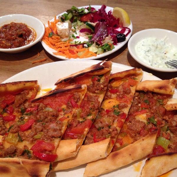 7/5/2015 tarihinde TAMER E.ziyaretçi tarafından Hala Restaurant'de çekilen fotoğraf