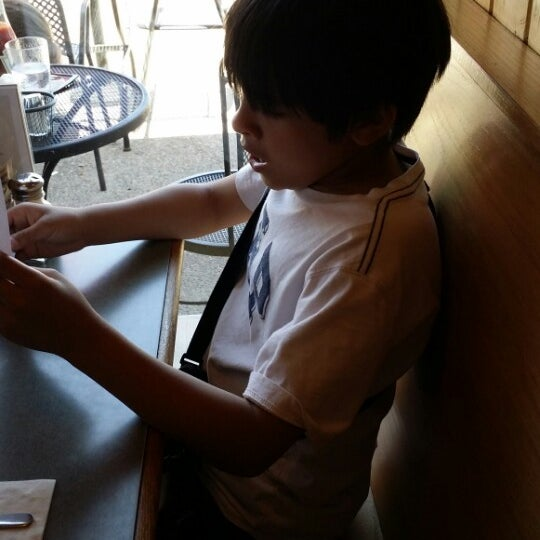 Photo taken at Winona's Restaurant by Mary Jeneverre S. on 6/13/2014