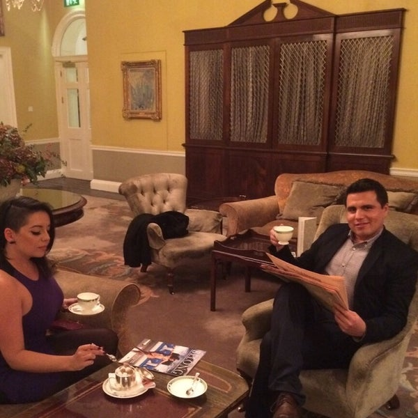 Photo taken at Merrion Hotel by Mely G. on 10/30/2014