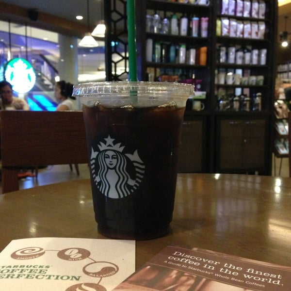 Photo taken at Starbucks by Aam M. on 4/24/2013