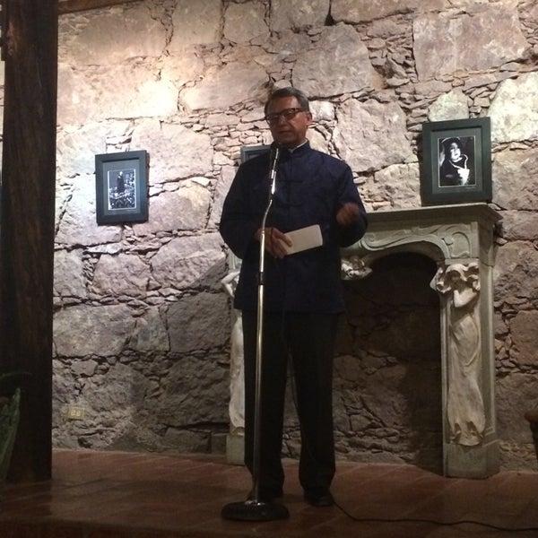 Foto tomada en El Mesón de los Poetas por Natalia D. el 5/17/2014