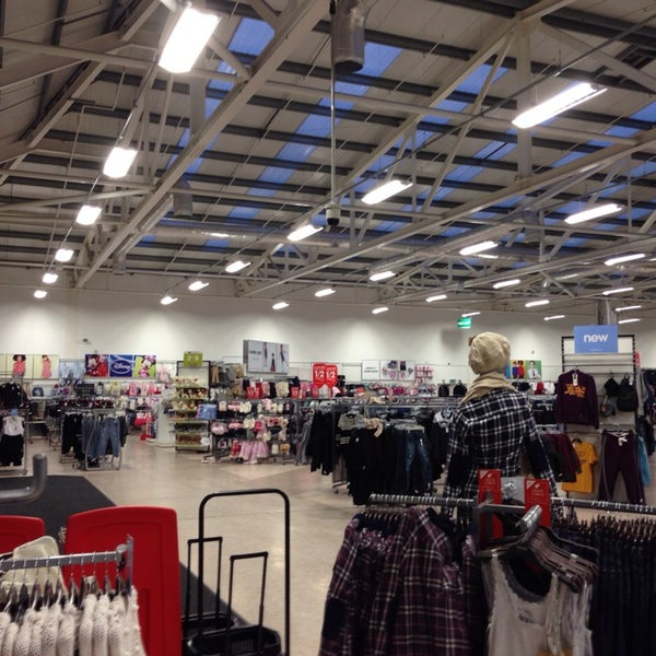 Save on clothes and homeware at Matalan with cashback and discount code deals. Buy shoes and boots, dresses, suits, lingerie and swimwear, as well as cushions and bedding.