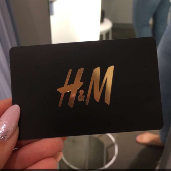 Photo taken at H&M by Victoriia D. on 7/27/2017