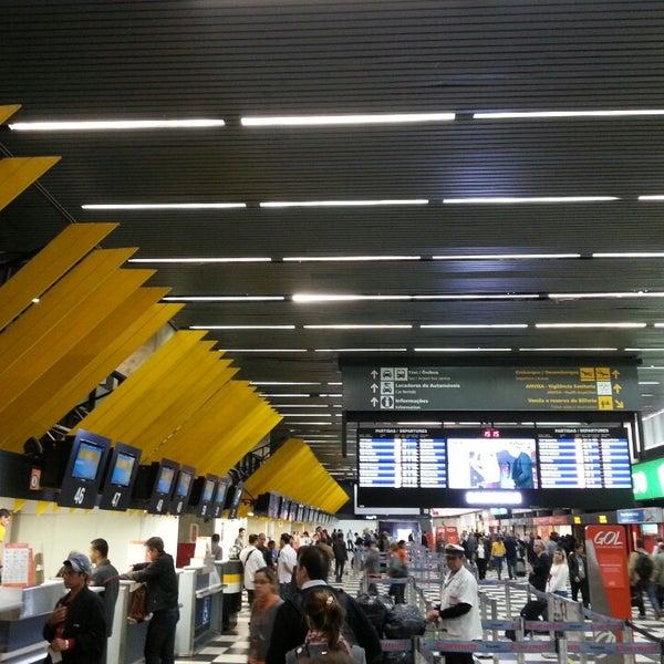 Снимок сделан в Международный аэропорт Конгоньяс/Сан-Паулу (CGH) пользователем Alice A. 9/26/2013