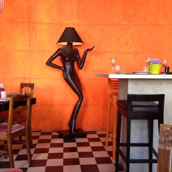 Foto tirada no(a) Casa de Pasto das Carvalheiras por Francisco V. em 7/31/2014