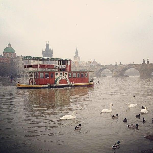 12/22/2012 tarihinde Mikhail S.ziyaretçi tarafından Franz Kafka Museum'de çekilen fotoğraf