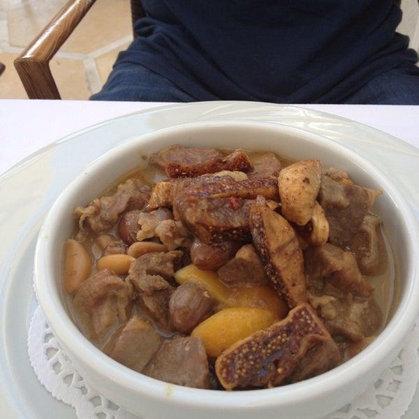 9/7/2013 tarihinde Mavi D. O.ziyaretçi tarafından Matbah Restaurant'de çekilen fotoğraf
