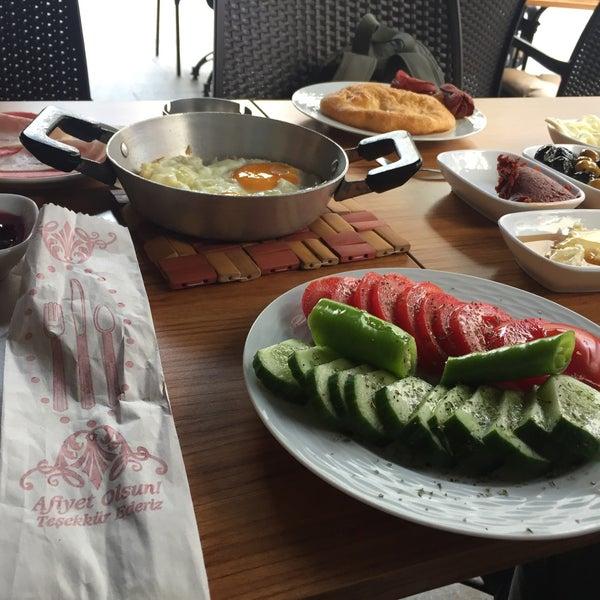 6/4/2017 tarihinde Veysel S.ziyaretçi tarafından Fiskos Kahvaltı Cafe'de çekilen fotoğraf