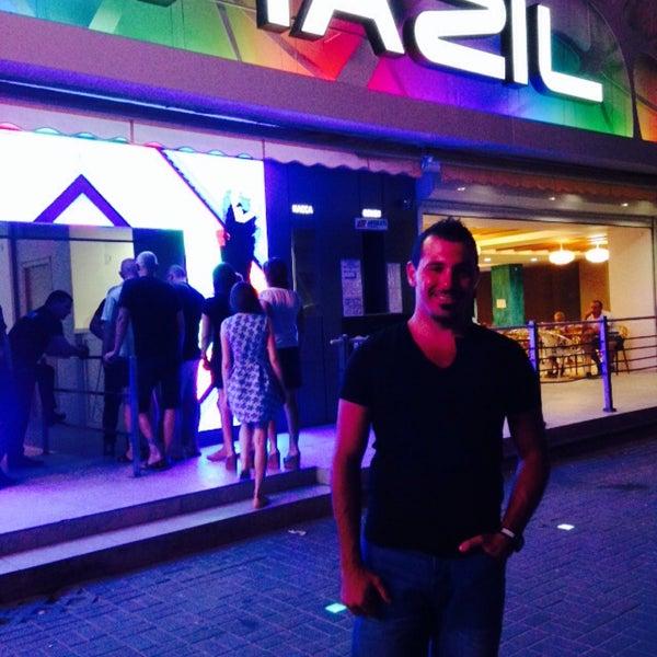 Снимок сделан в Brazil Club пользователем Ilker G. 8/13/2015