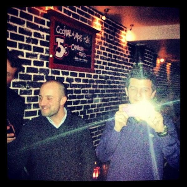 Foto tirada no(a) Le Bar d'Ixelles por Giovanni M. em 1/12/2013