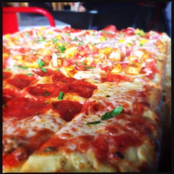 Foto tomada en Pizza Rustica por Mauricio R. el 6/11/2014