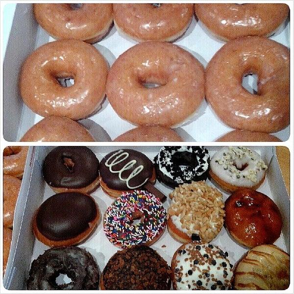 Photo taken at Krispy Kreme by iamregiecapin on 6/21/2013