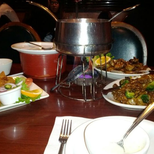 รูปภาพถ่ายที่ Thai Original BBQ & Restaurant โดย Ambriss R. เมื่อ 12/24/2011