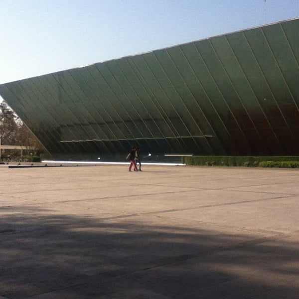 Foto tomada en MUAC (Museo Universitario de Arte Contemporáneo). por Marianni B. el 2/22/2013