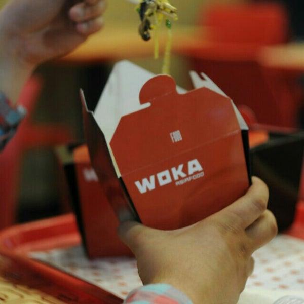 Снимок сделан в Woka Asia Food пользователем Алёна Г. 7/15/2015
