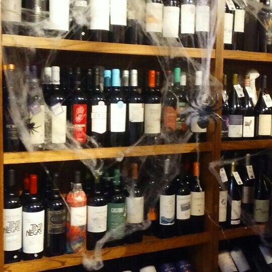 La cava de vittorio wine bar in recoleta for 788 food bar recoleta