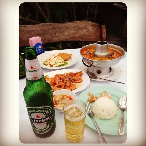 Photo taken at Baan Chom View by Tungmay™😺 on 6/23/2013