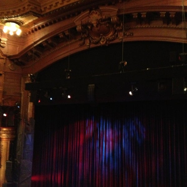 Foto scattata a The London Palladium da Sarah G. il 12/27/2012