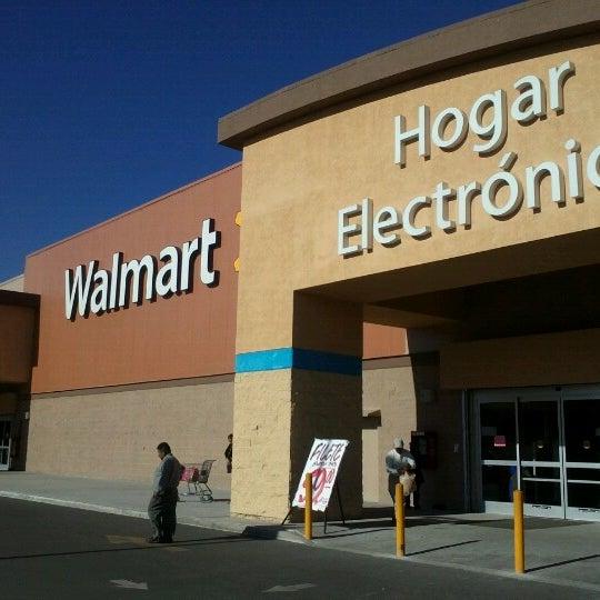 Walmart - Blvd. Gustavo Díaz Ordaz #15634 Col. La Joya