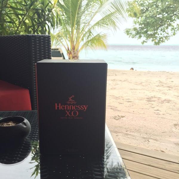 Photo taken at Vilamendhoo Island Resort & Spa by Barış B. on 9/20/2015