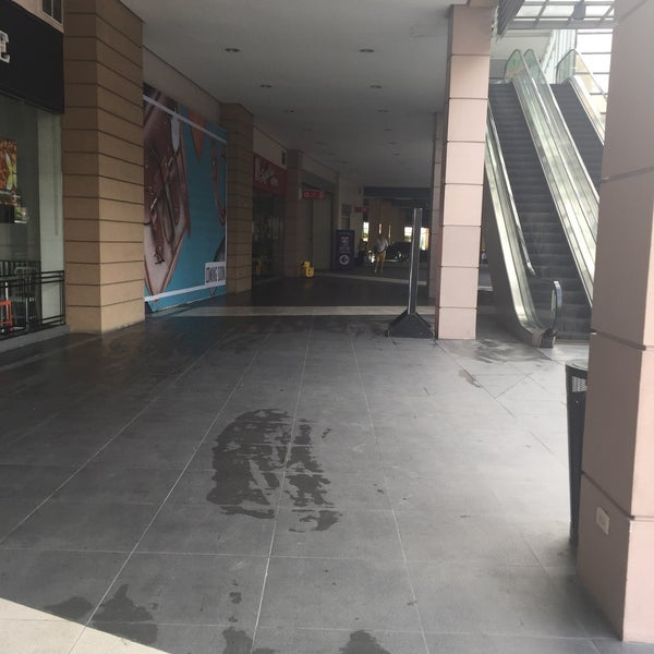 Allhome Taguig Shopping Mall In Taguig