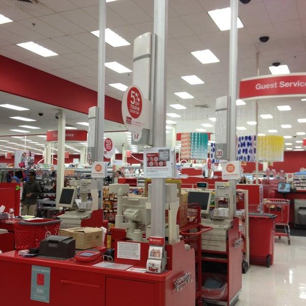 Photo prise au Target par Sharyn F. le5/10/2013
