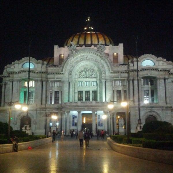 Foto tomada en Palacio de Bellas Artes por Estela L. el 5/20/2013