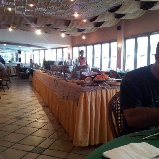 Foto tirada no(a) Tropical Hotel Tambaú por Cris T. em 12/8/2012