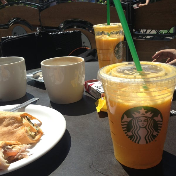 Photo taken at Starbucks by Zied G. on 5/6/2013