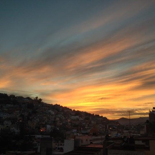 Foto tomada en El Mesón de los Poetas por Paulo R. el 11/12/2012