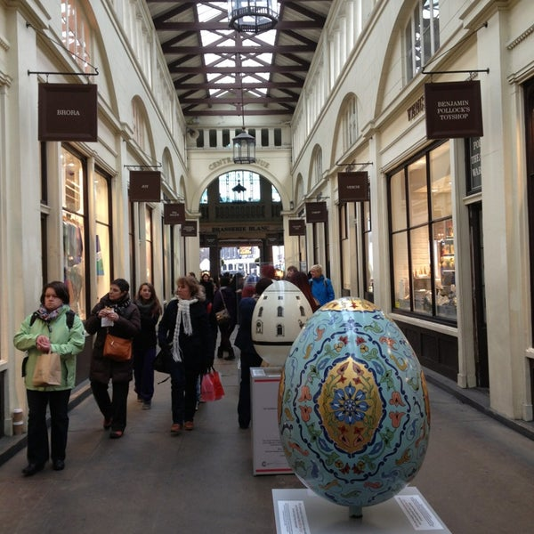 Photo taken at Covent Garden Market by Vadim M. on 3/27/2013