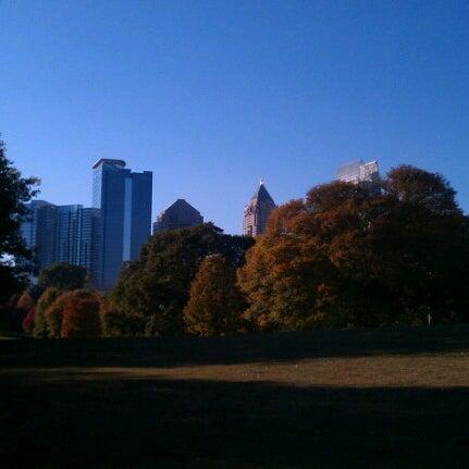 รูปภาพถ่ายที่ Piedmont Park โดย Hadrian X. เมื่อ 11/8/2012