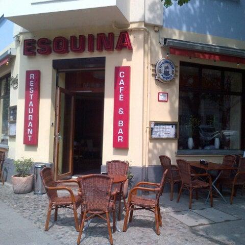 Das Foto wurde bei Cafe Esquina von Carlos Alberto H. am 6/20/2013 aufgenommen