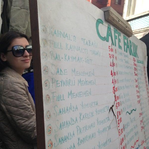 3/30/2013 tarihinde Irem M.ziyaretçi tarafından Café Faruk'de çekilen fotoğraf