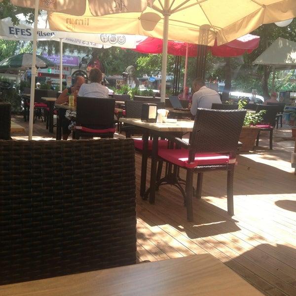 7/22/2013 tarihinde M.MERCAN (.ziyaretçi tarafından LimonH₂O Cafe Bistro'de çekilen fotoğraf