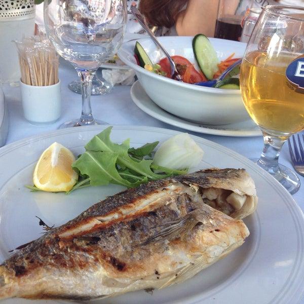5/11/2013 tarihinde Nihan Ş.ziyaretçi tarafından Çapari Restaurant'de çekilen fotoğraf
