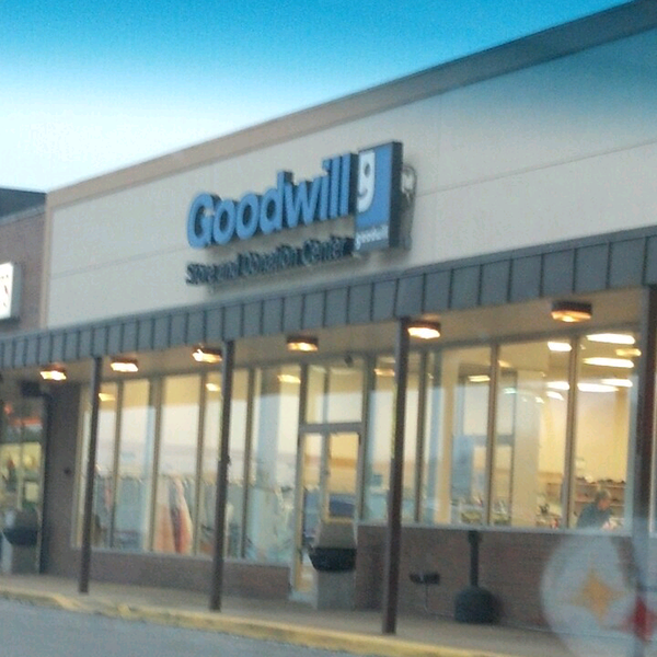 Goodwill murrysville franklin plaza murrysville pa for High end thrift stores nyc