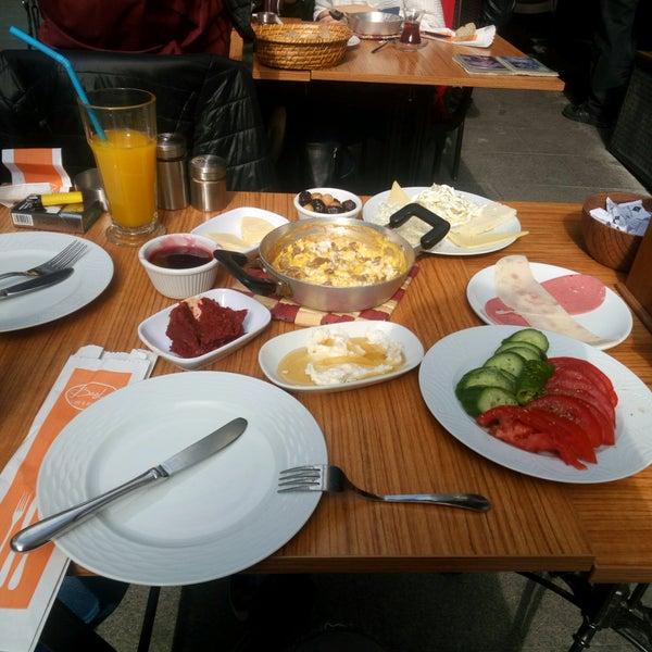 10/30/2016 tarihinde Sultan S.ziyaretçi tarafından Fiskos Kahvaltı Cafe'de çekilen fotoğraf
