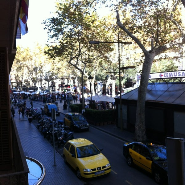 Foto tomada en Hotel Arc La Rambla por Zeynep T. el 10/12/2013