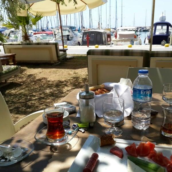 7/24/2013 tarihinde mursel s.ziyaretçi tarafından Cafe Marin'de çekilen fotoğraf