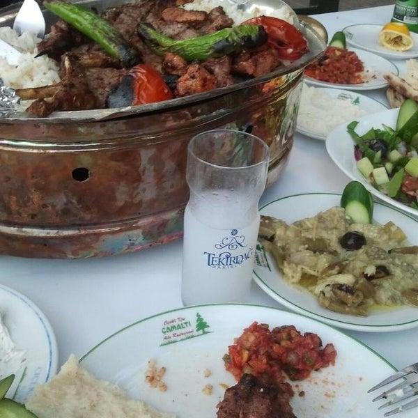 6/7/2013 tarihinde Zehra Ç.ziyaretçi tarafından Çamaltı Restaurant'de çekilen fotoğraf
