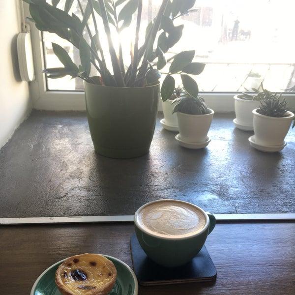 Снимок сделан в First Point Espresso Bar пользователем Kira B. 4/30/2018