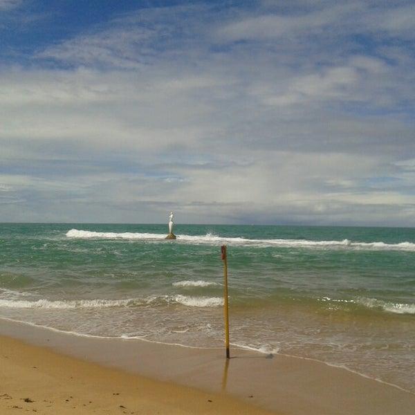 Foto tirada no(a) Praia Mirante da Sereia por Vítor G. em 8/17/2013