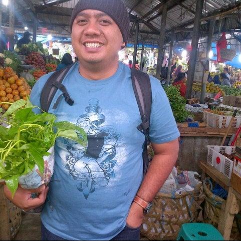 Photo taken at Pasar kaget berastagi by Tezar S. on 5/12/2013